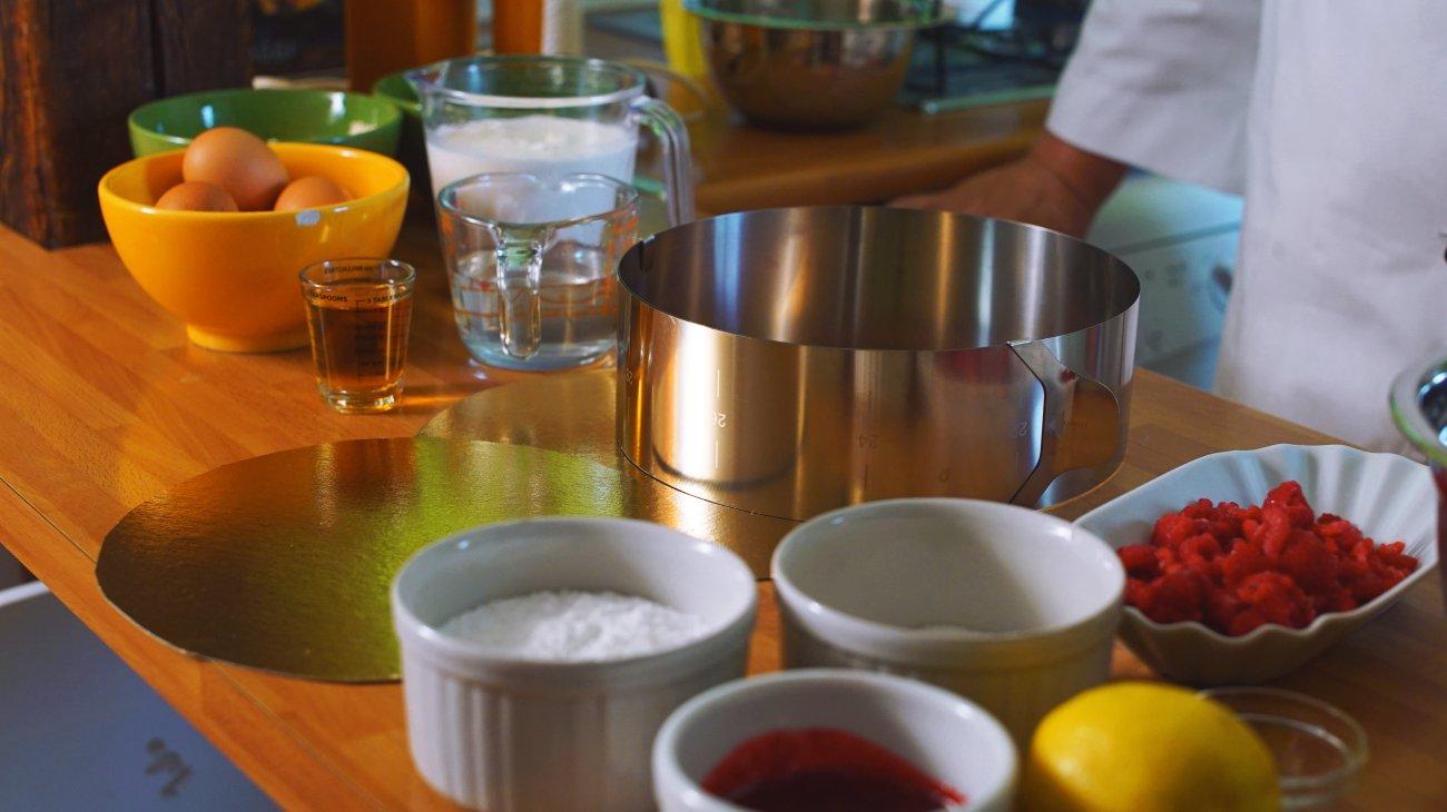 Tarta helada (aro e ingredientes)