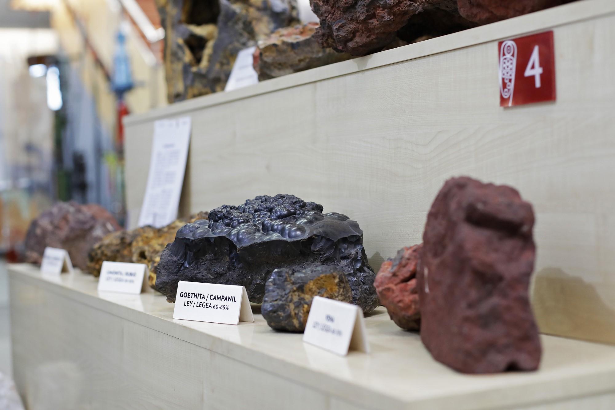 Muestras extraídas durante décadas de trabajo en la mina.