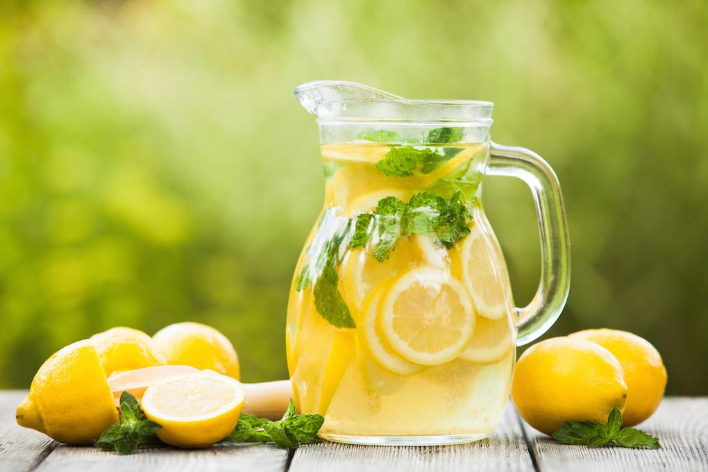 Nada como una limonada en su punto para hacer frente al calor. Foto: Shutterstock.