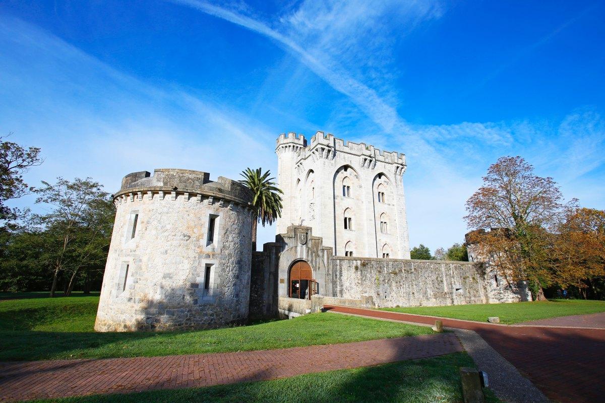 El Castillo de Arteaga, convertido hoy en lujoso hotel, es el único Relais & Chateaux en Euskadi.