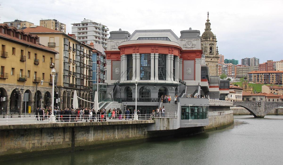 El renovado edificio del Mercado de la Ribera es obra de Pedro Ispizua. Foto: Mercado de la Ribera