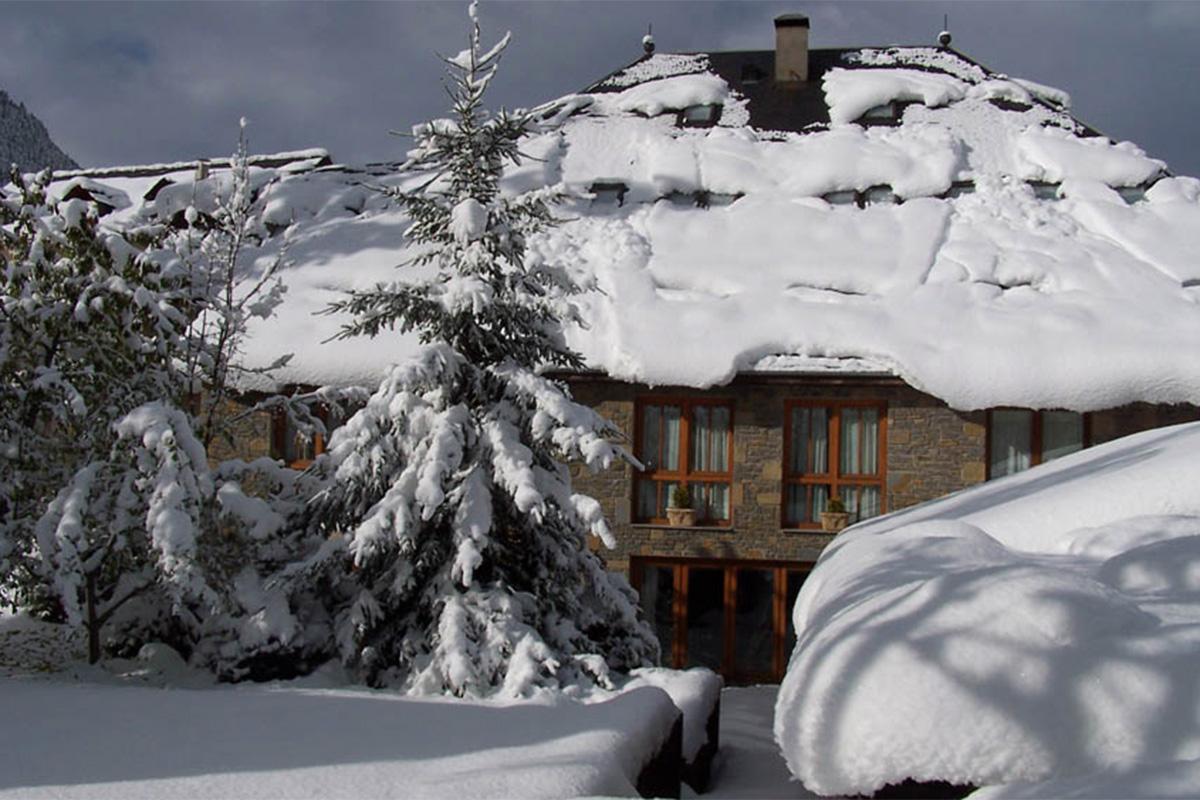 El hotel cubierto de nieve. Foto: Casa Irene.