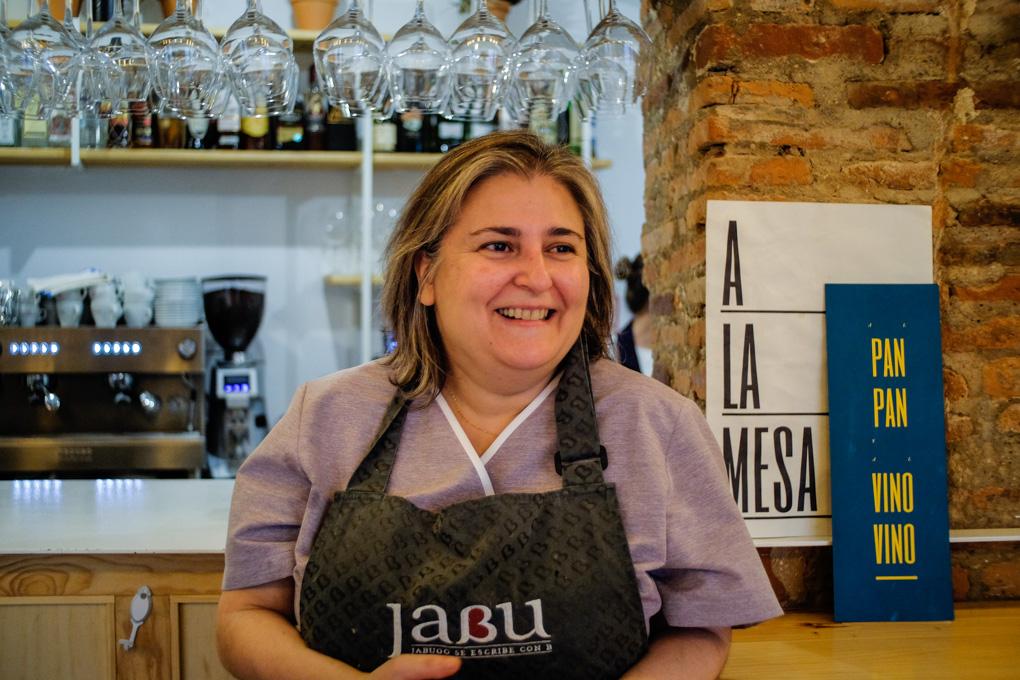 Carmen Zarza Núñez, a cargo de la cocina, hace maravillas.