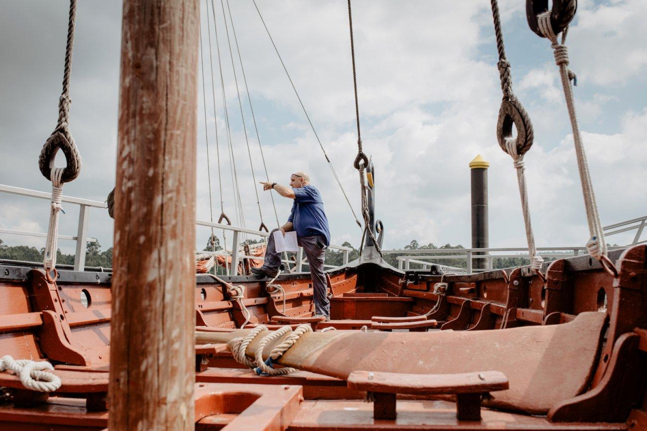 Vikingos de Catoira - Moncho, a bordo del Torres de Oeste (3)