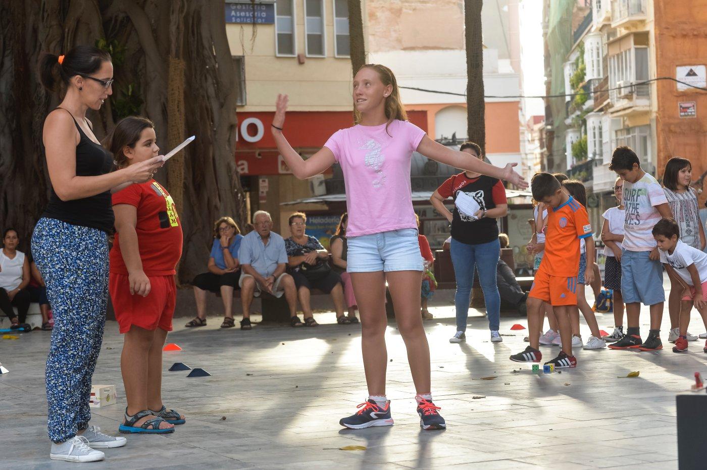 Carthagineses y romanos: ensayo infantil en la Plaza de San Francisco