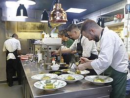Tres cocineros veinteañeros que te llevarán de calle