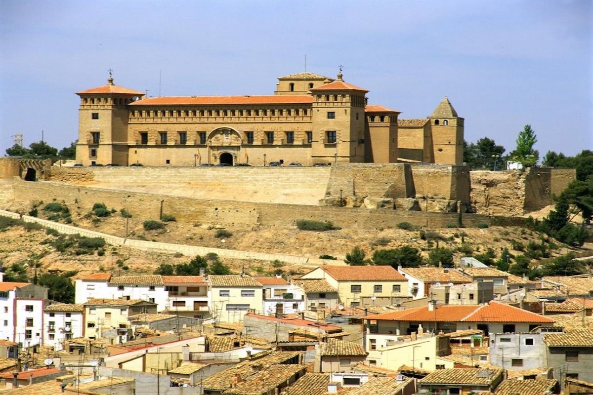 Alcañiz y su majestuoso castillo-Parador. Foto: Parador de Alcañiz.
