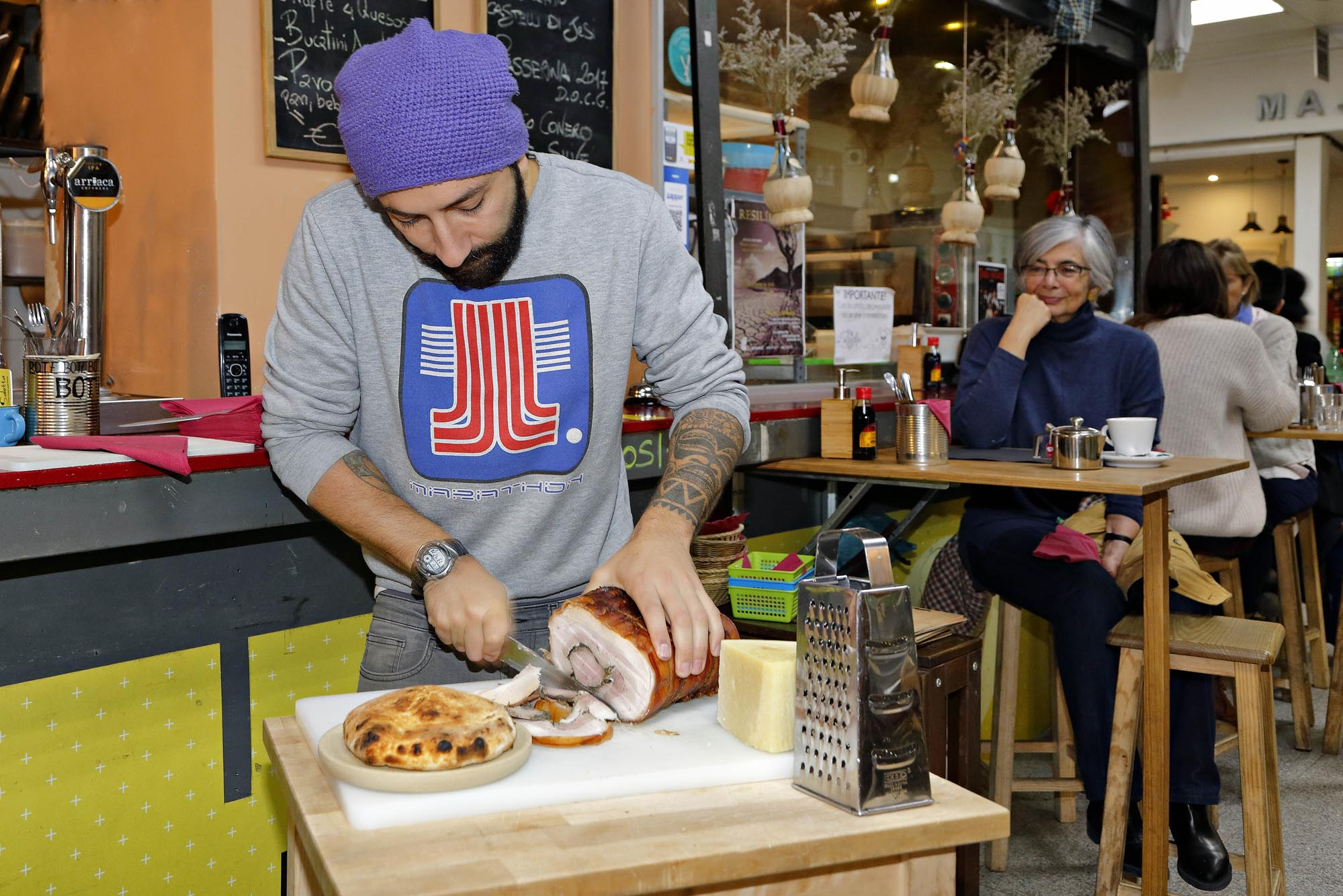 La 'porchetta' es el clásico 'street food' italiano.