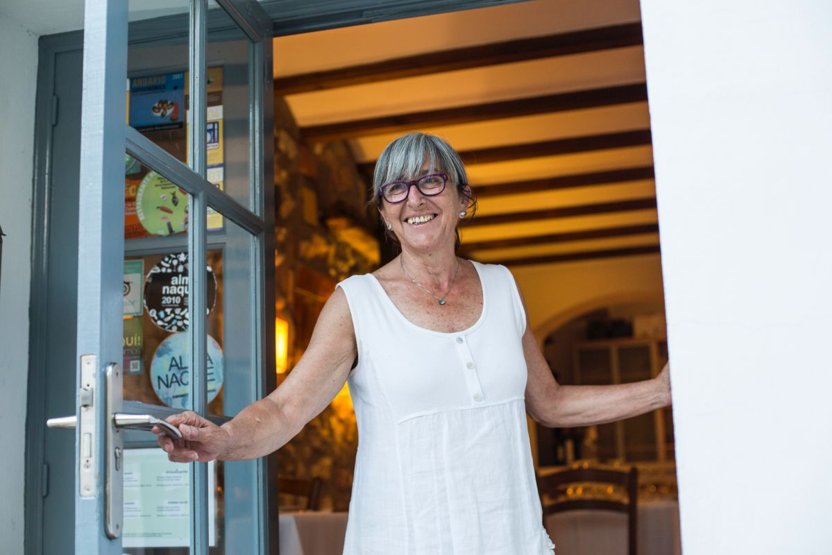 Joana Bataller, chef del restaurante El Raval, en Benissiva, Valencia.