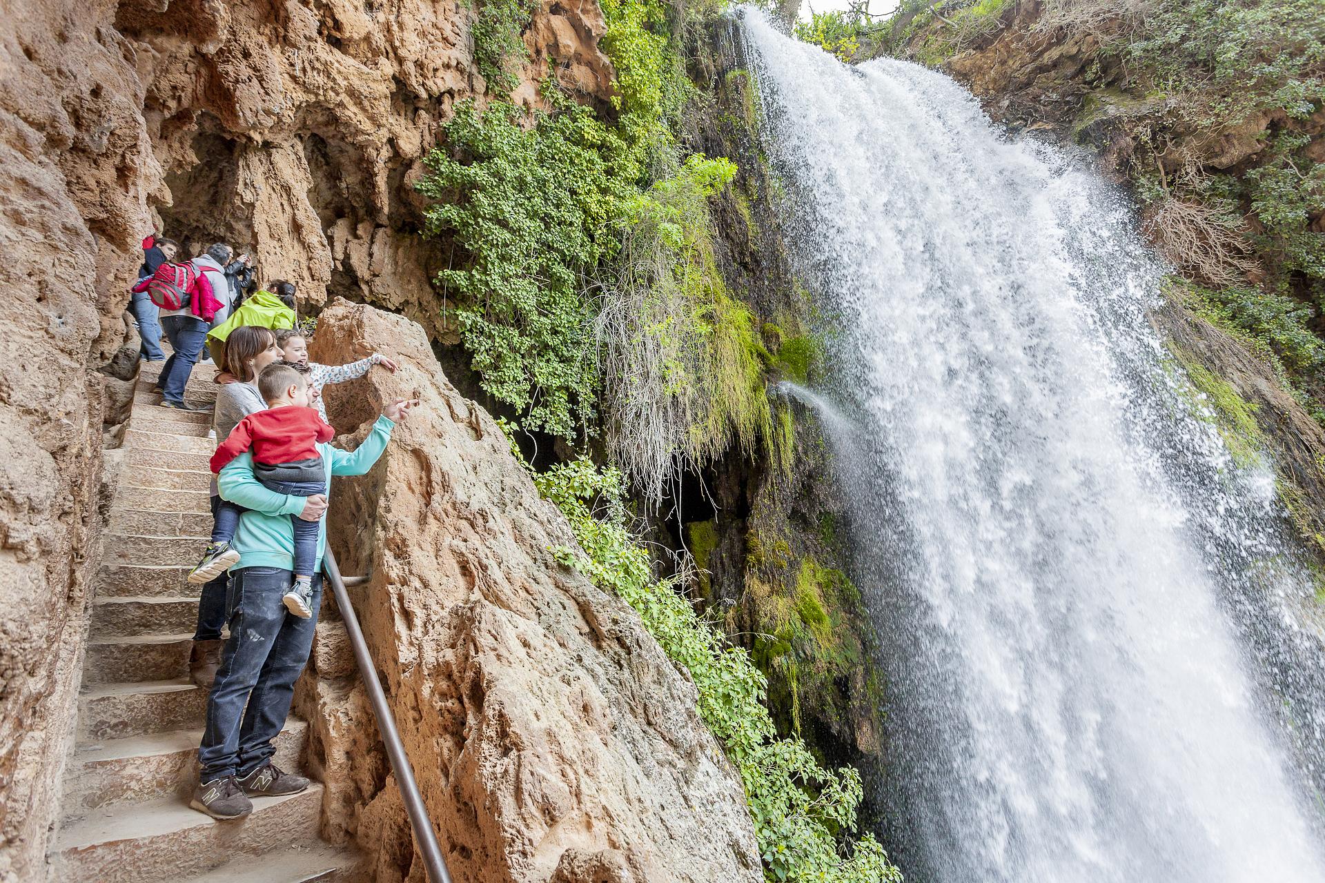 La imponente cascada Cola de Caballo, la más alta de todo el parque con sus 53 metros de caída.
