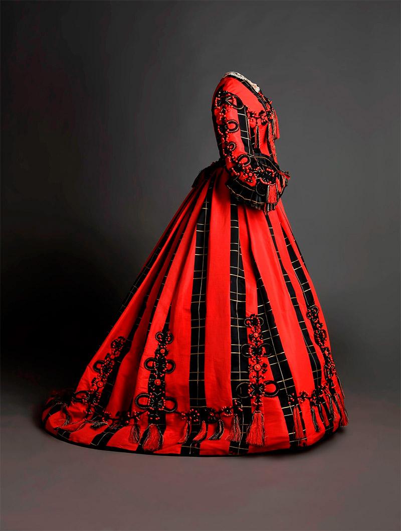 Uno de los vestidos de la exposición Moda Romántica. Foto: Museo del Romanticismo.