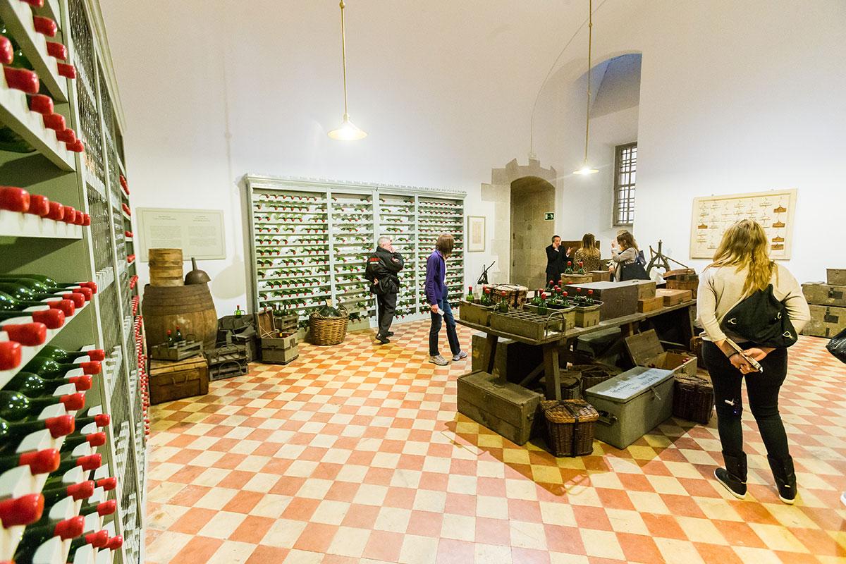 Cocinas Palacio Real: Bodega real. Foto: Máximo García