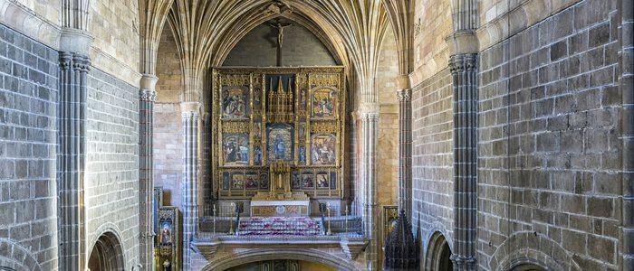 Interior del monasterio de Santo Tomás.