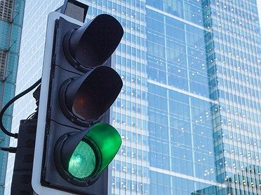 Un sistema 'inteligente' regula los semáforos para evitar atascos
