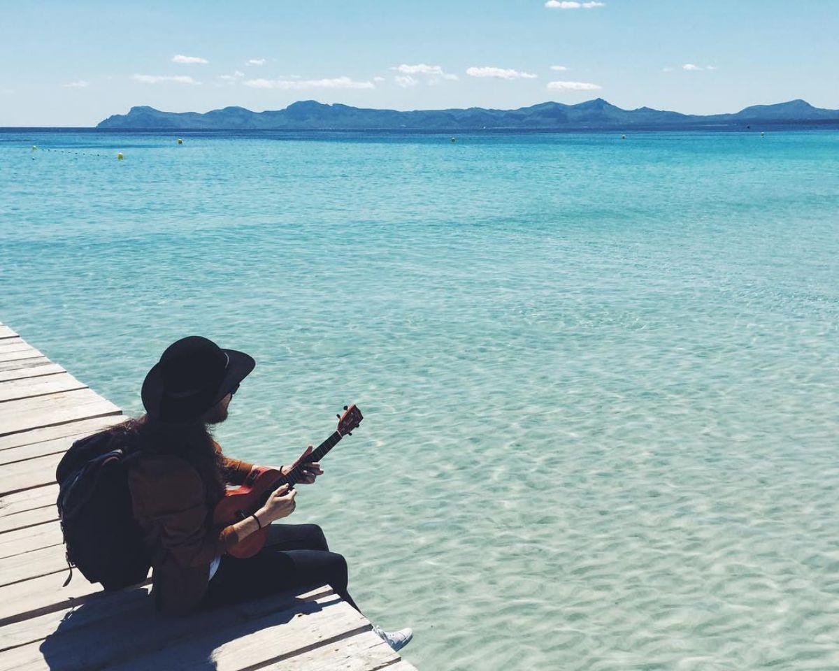 En la playa de Muro, en Mallorca. Foto: Instagram.