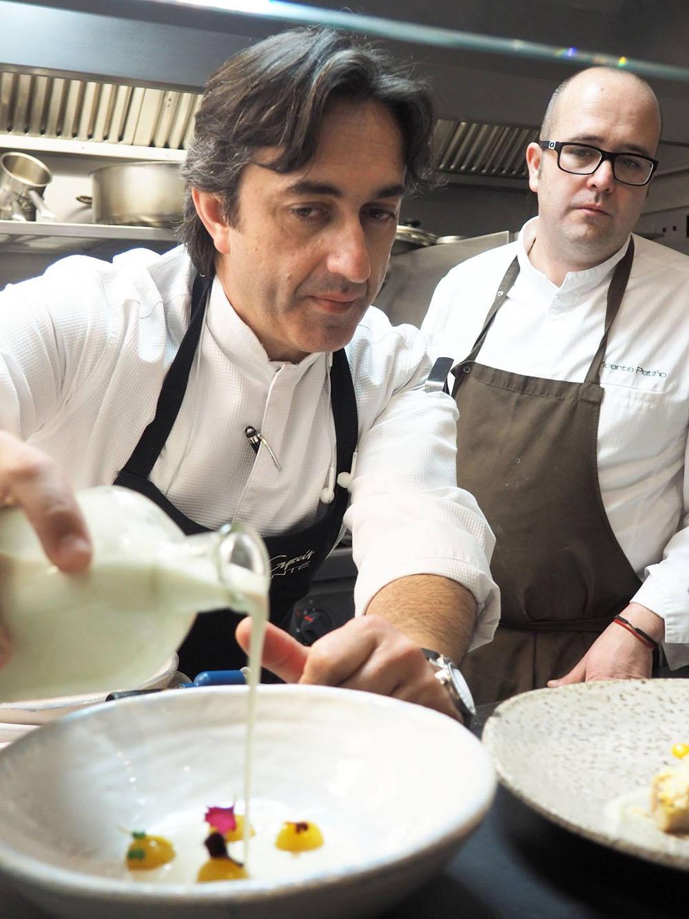 José Carlos García y Vicente Patiño, mano a mano. Foto: Valencia Culinary Meeting.