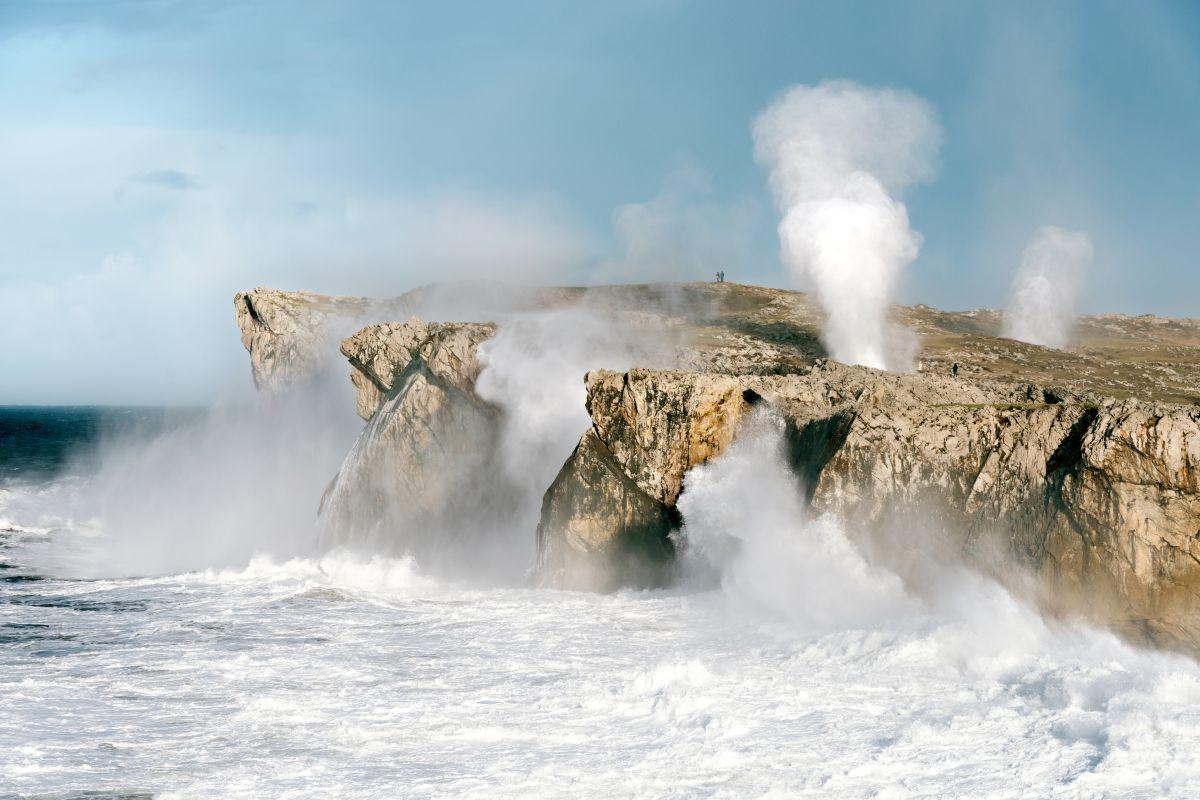 Playa de Ballota.