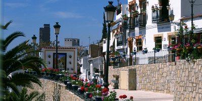Barrio Santa Cruz. / Cedida por: Turismo de Alicante.