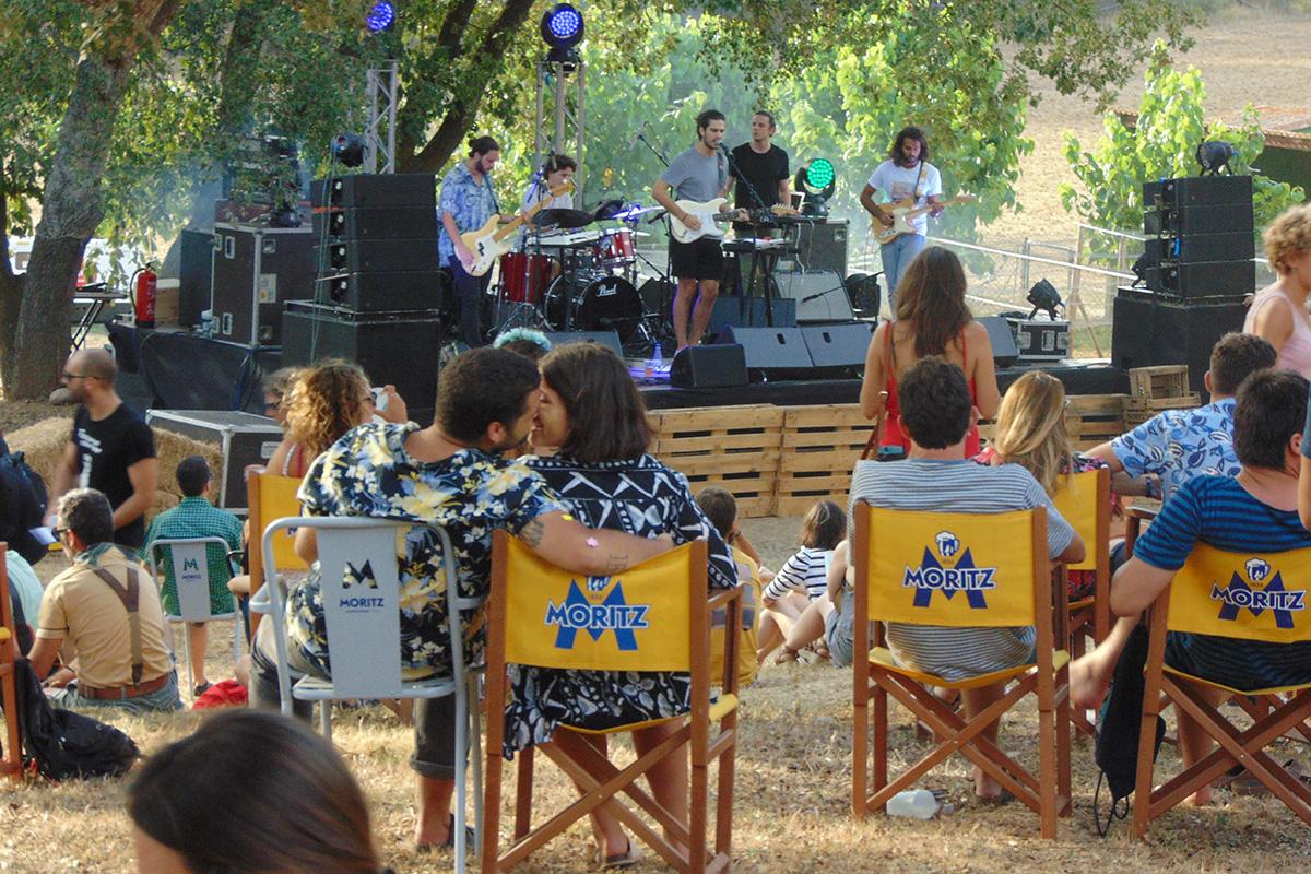En el festival de Llagostera el amor está en aire. Foto: Anna Otero Ibáñez.