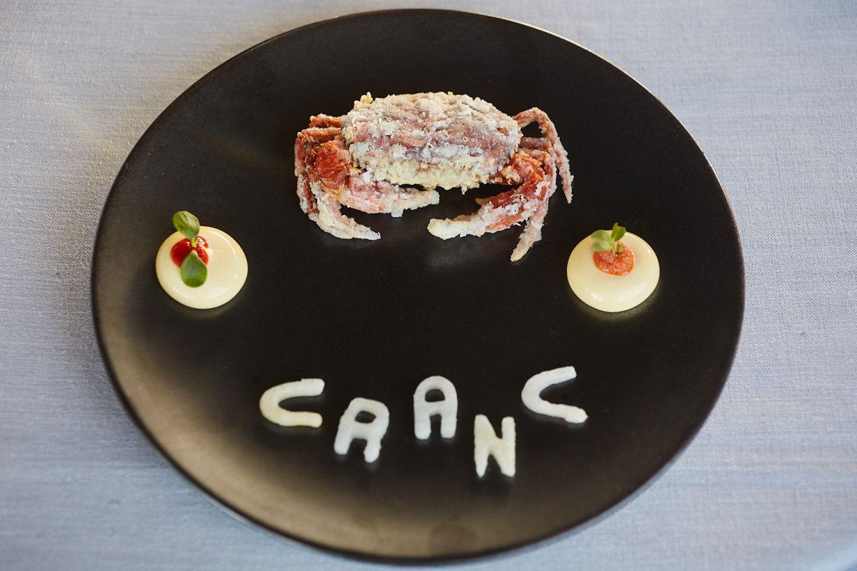 Un homenaje a la cocina de Nueva Orleans. El cangrejo se come entero.