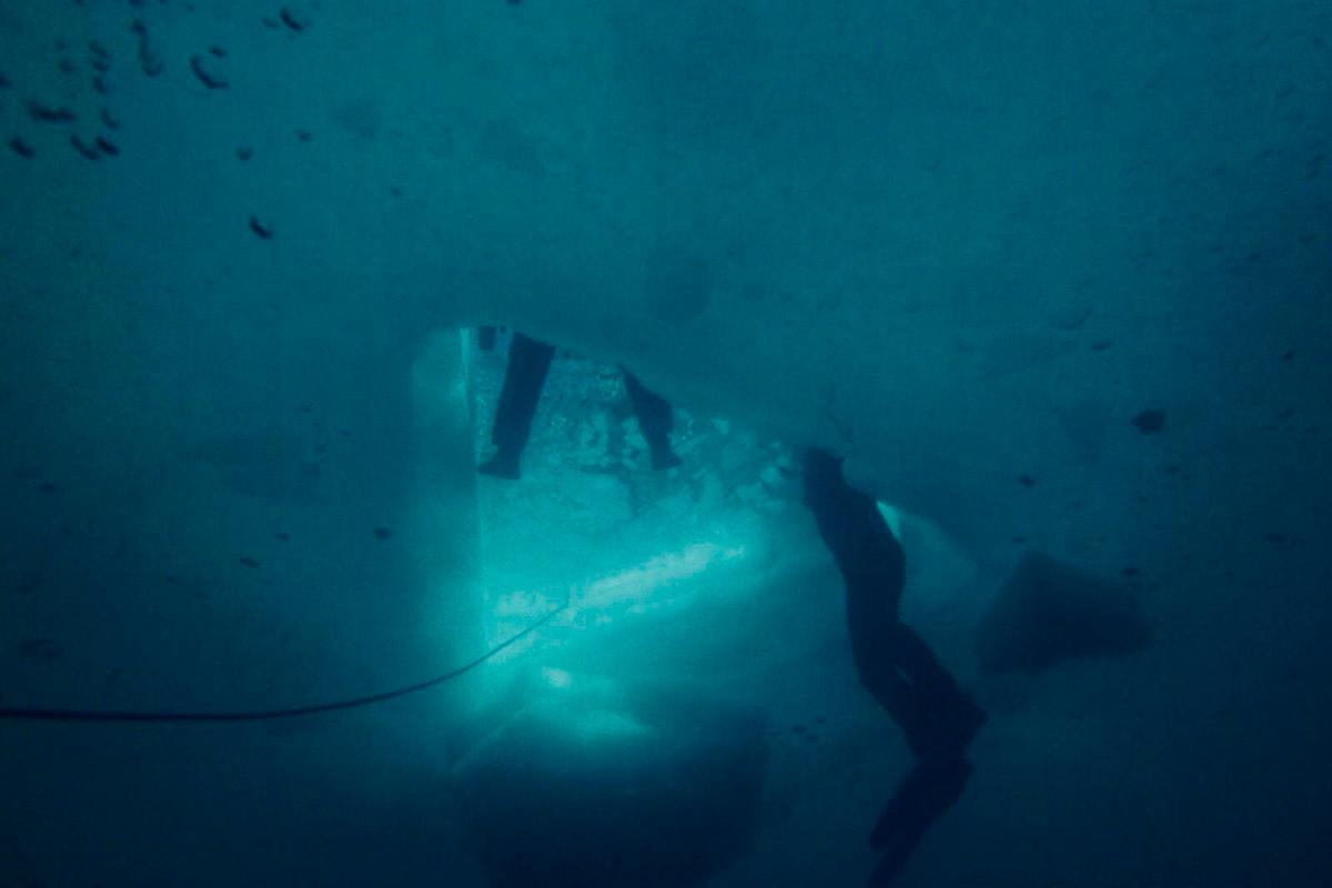 El cambio de la luz bajo el agua es un auténtico espectáculo. Foto: José Polo.