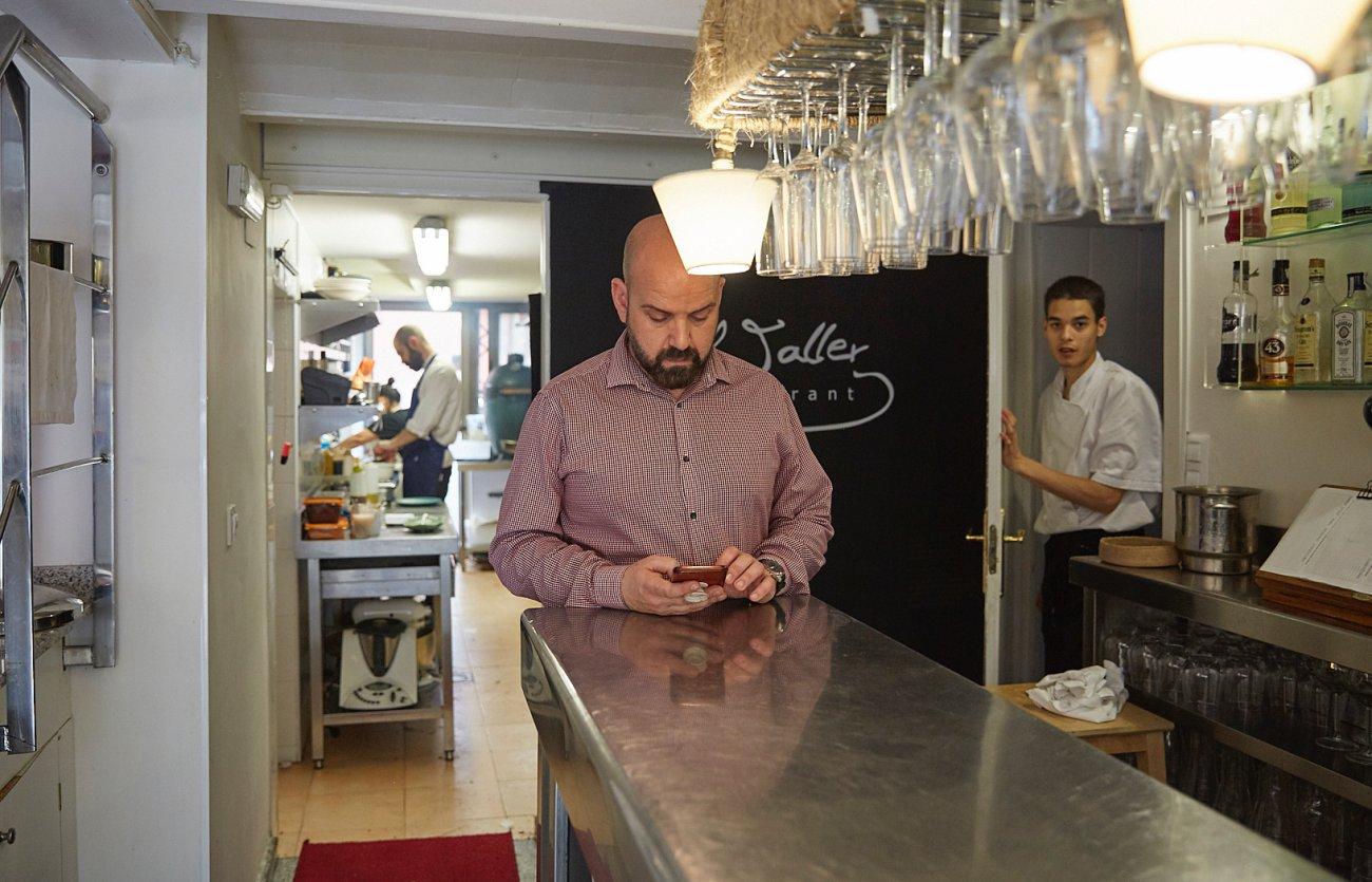 Restaurante 'El Taller'. El jefe de sala, Óscar García