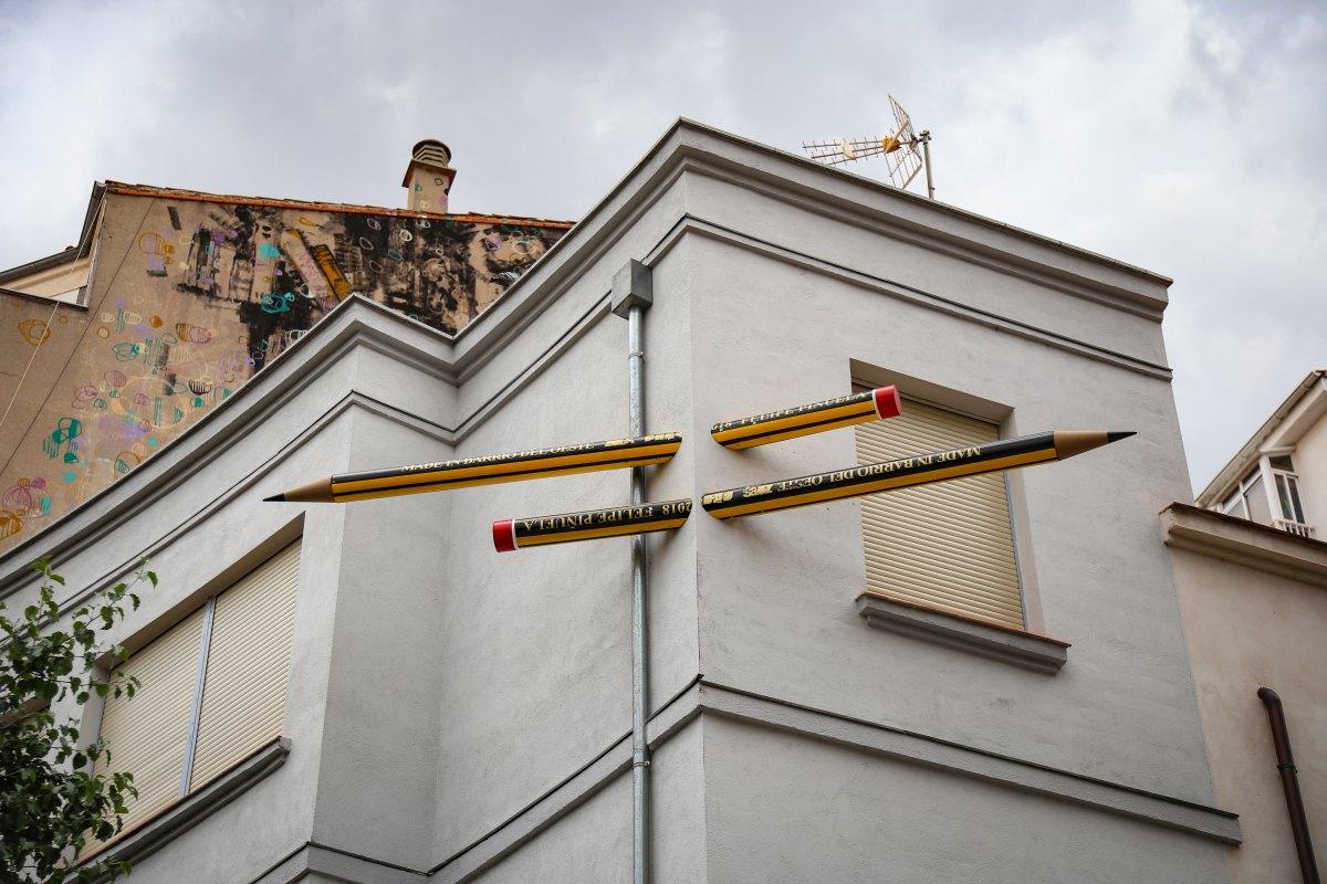 Los dos grandes lápices, obra de Felipe Piñuela.
