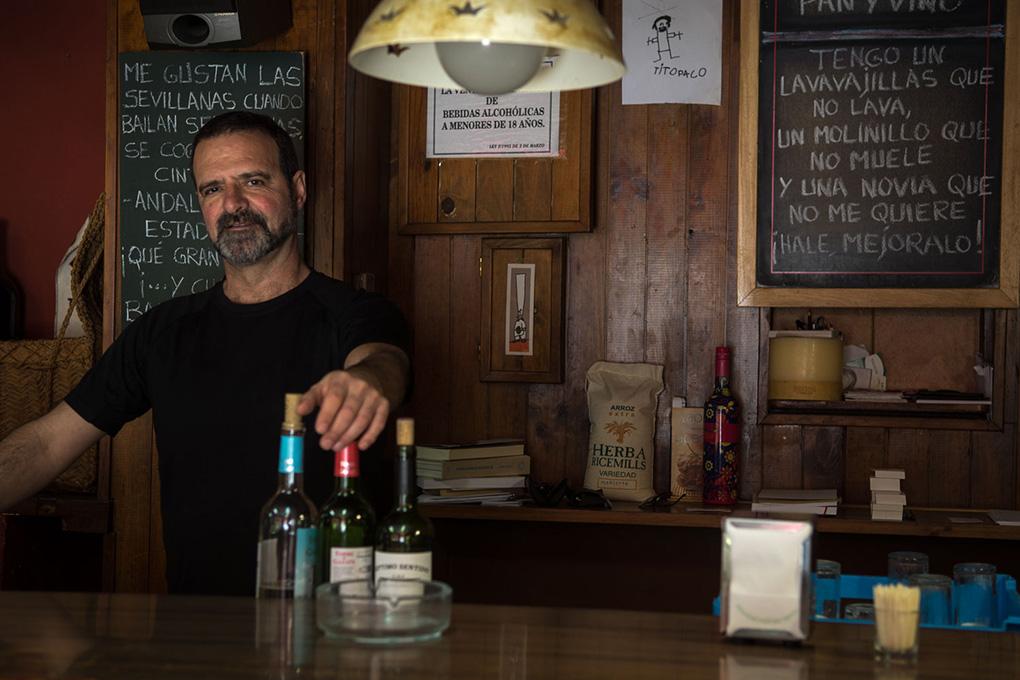 Pedro Llamosas está a cargo del famoso bar.