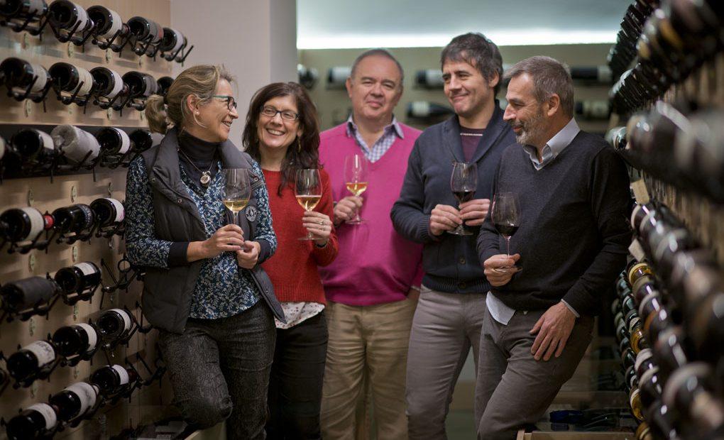 Carmen, Gema, Ángel, Juanma y Miguel de la Vinoteca Barolo.