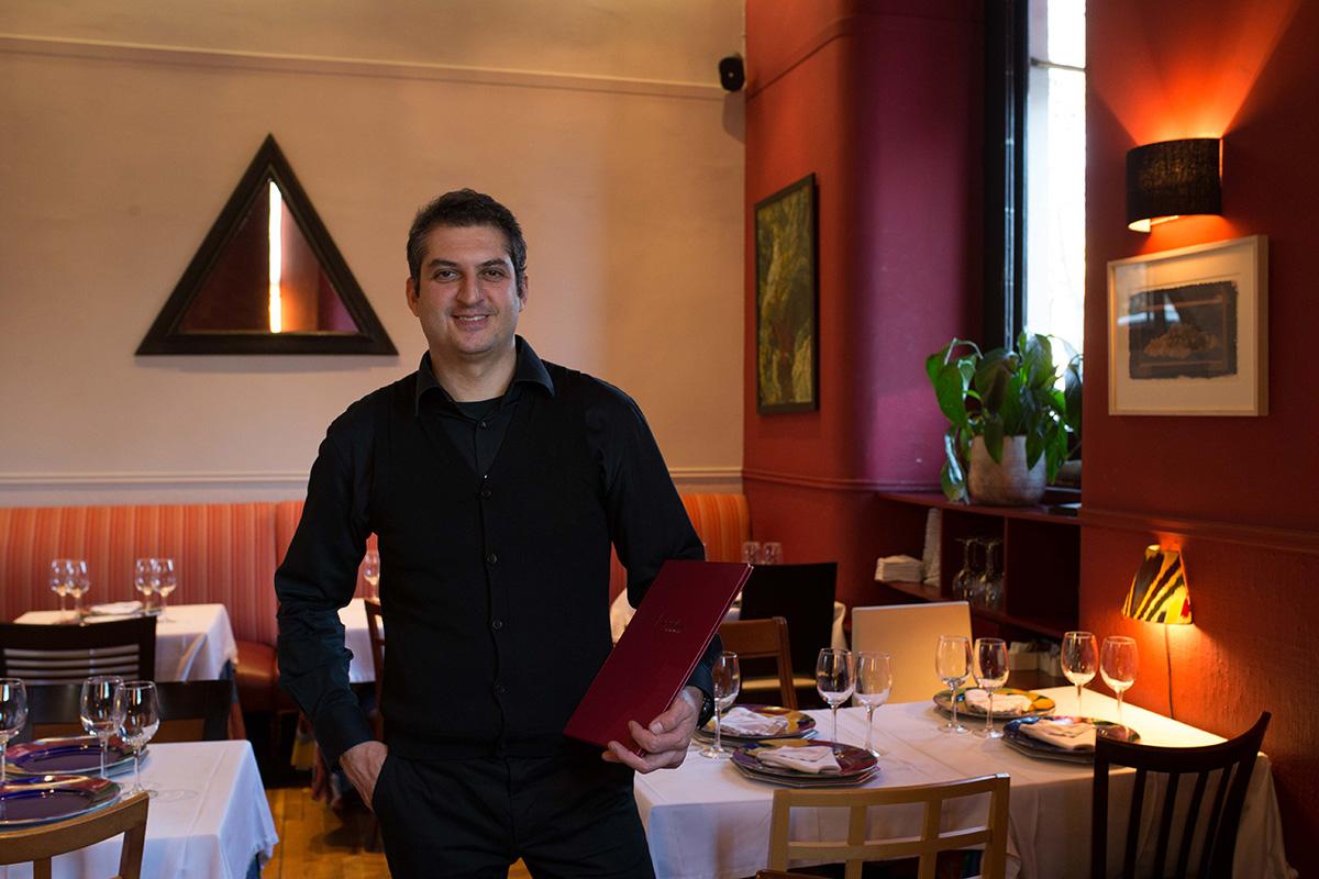 El dueño, Fernando Legido, posa en el establecimiento.