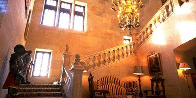 Escalinata principal del Parador.
