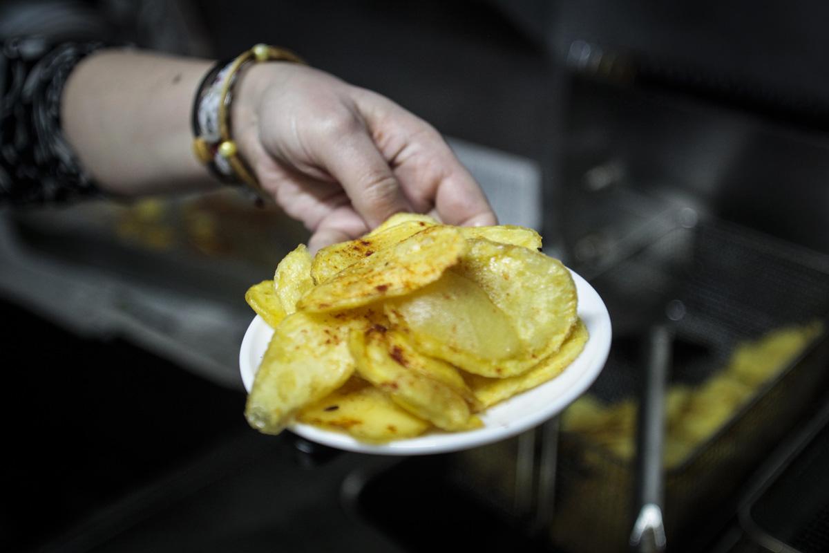 Las famosas patatas de El Flechazo.