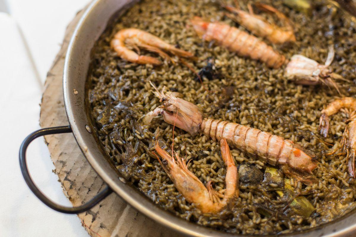 La receta de los abuelos, en 'Ca Pepico', sigue triunfando entre los comensales.
