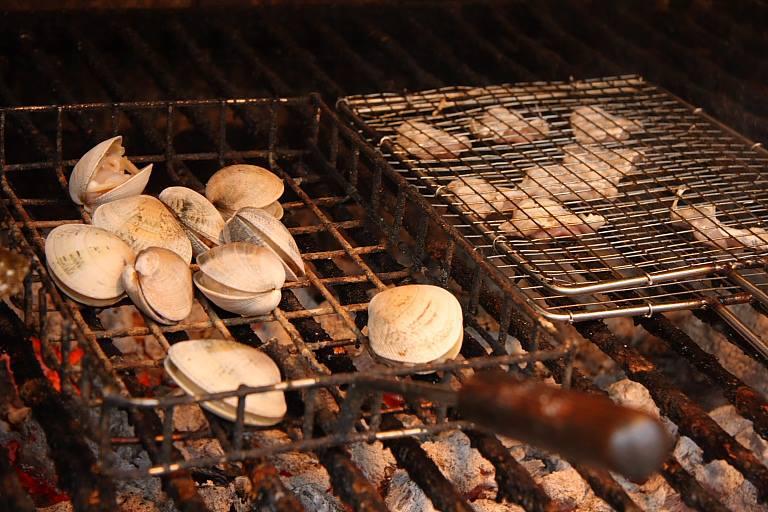 Almejas a la parrilla. Foto: Facebook Restaurante Elkano.