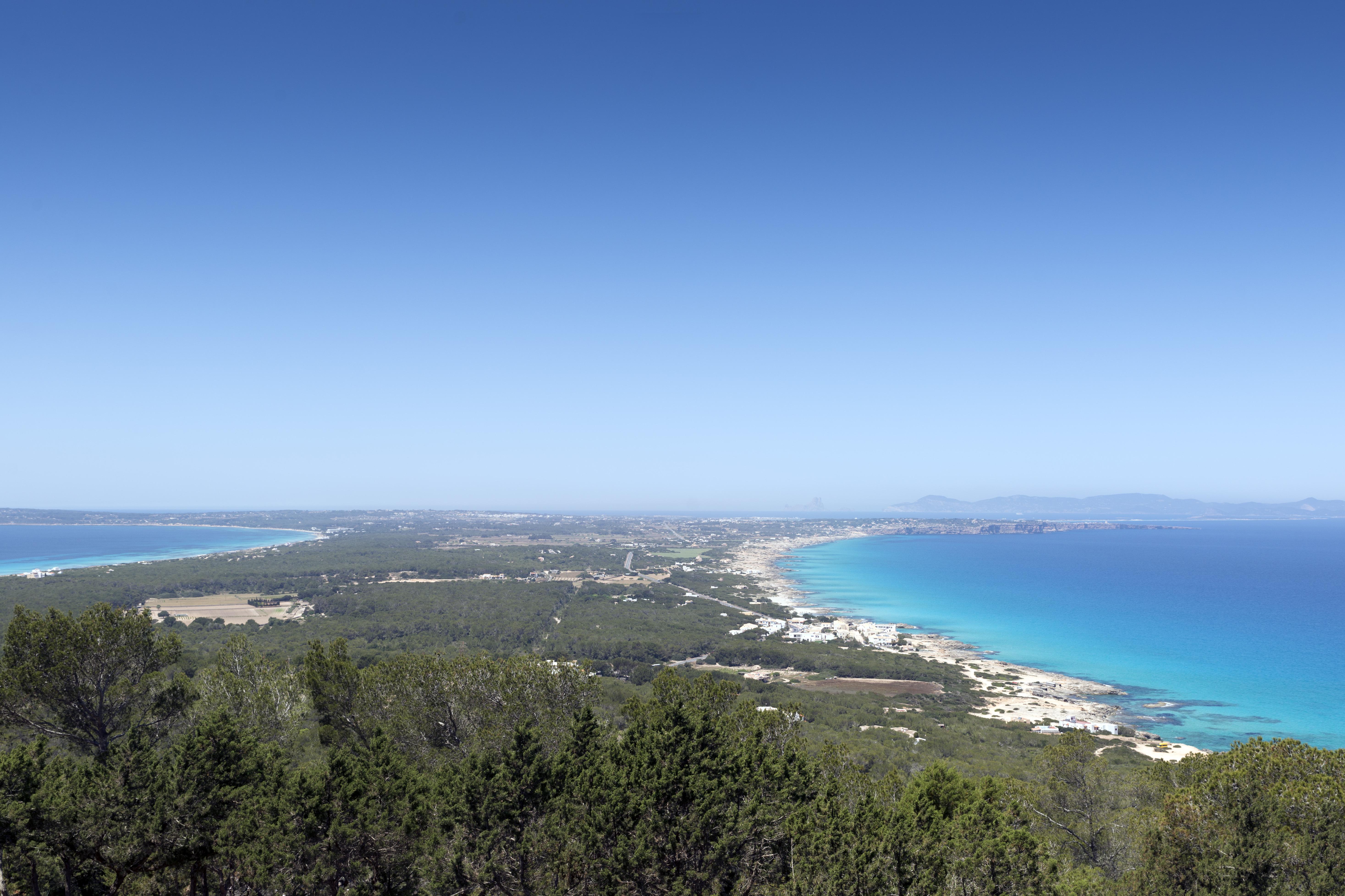 Formentera, horizonte verdiazul. Foto: shutterstock.