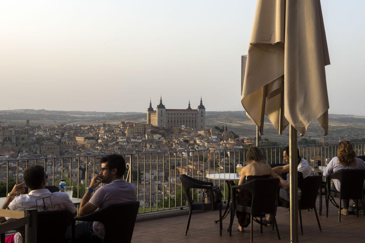 Con esta terraza, el Parador fue el encargado de 'democratizar' las vistas de la ciudad al público.
