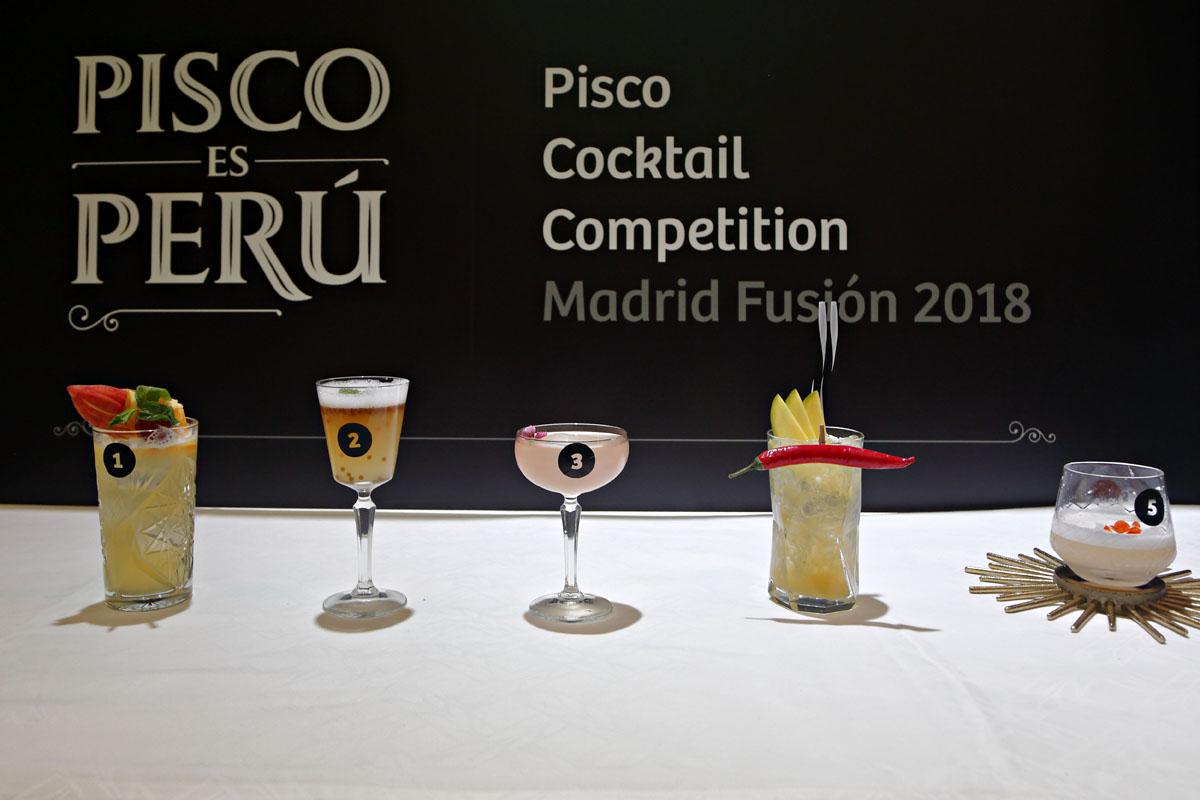 Los cinco cócteles que participaron en el concurso. El quinto, el ganador.