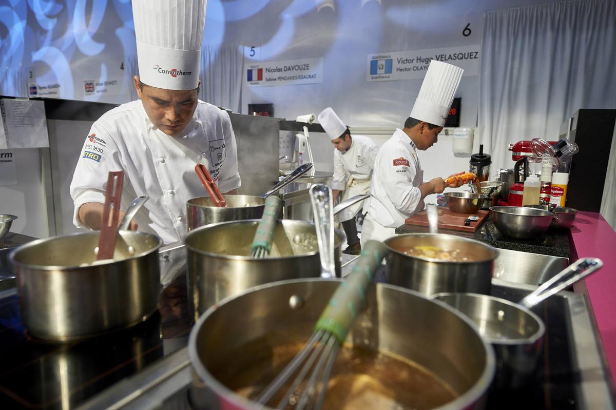 La competencia es dura en esta sabrosa lucha. Foto: Selección Española de Cocina- Facebook.