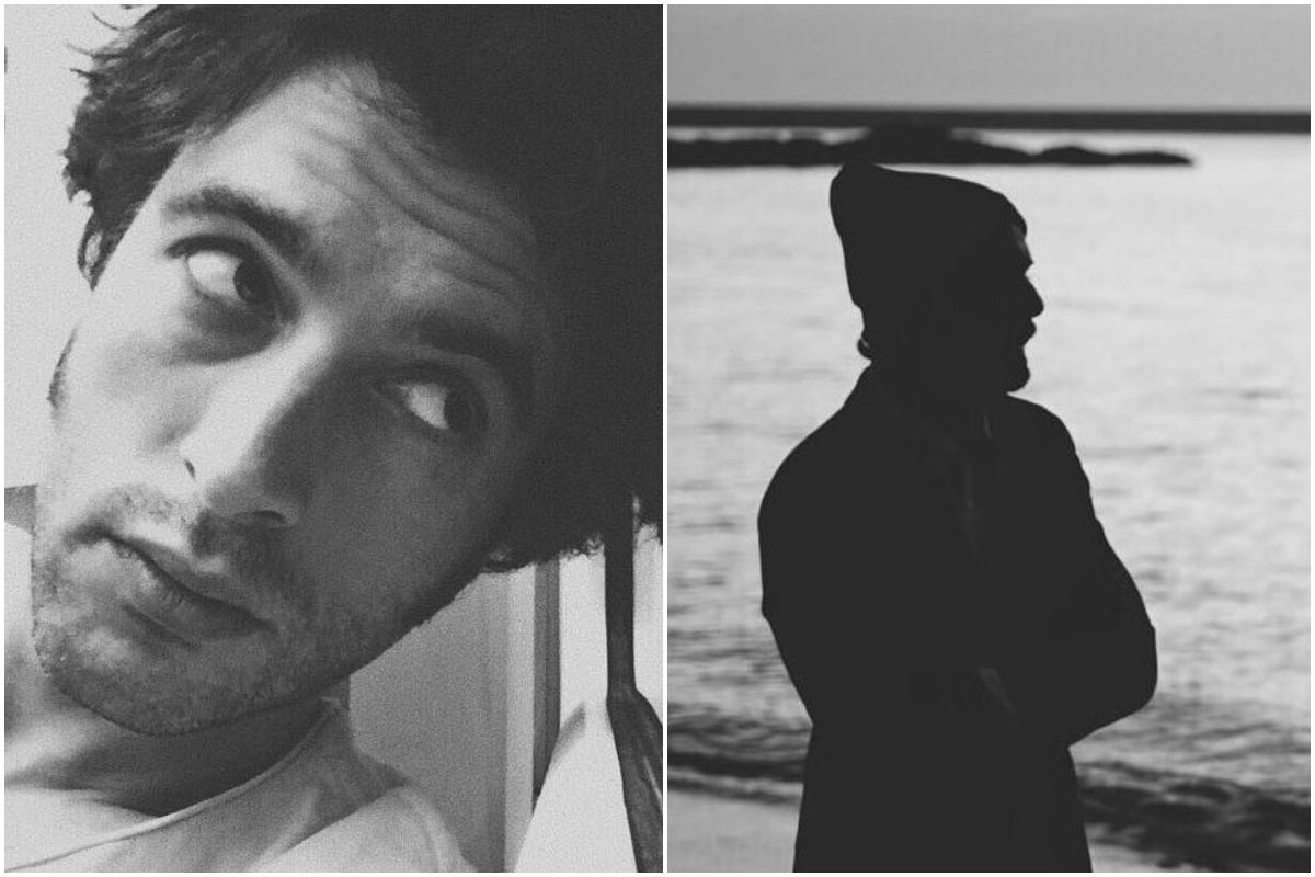 Un retrato del actor Javier Rey en blanco y negro, y su silueta mirando al mar.