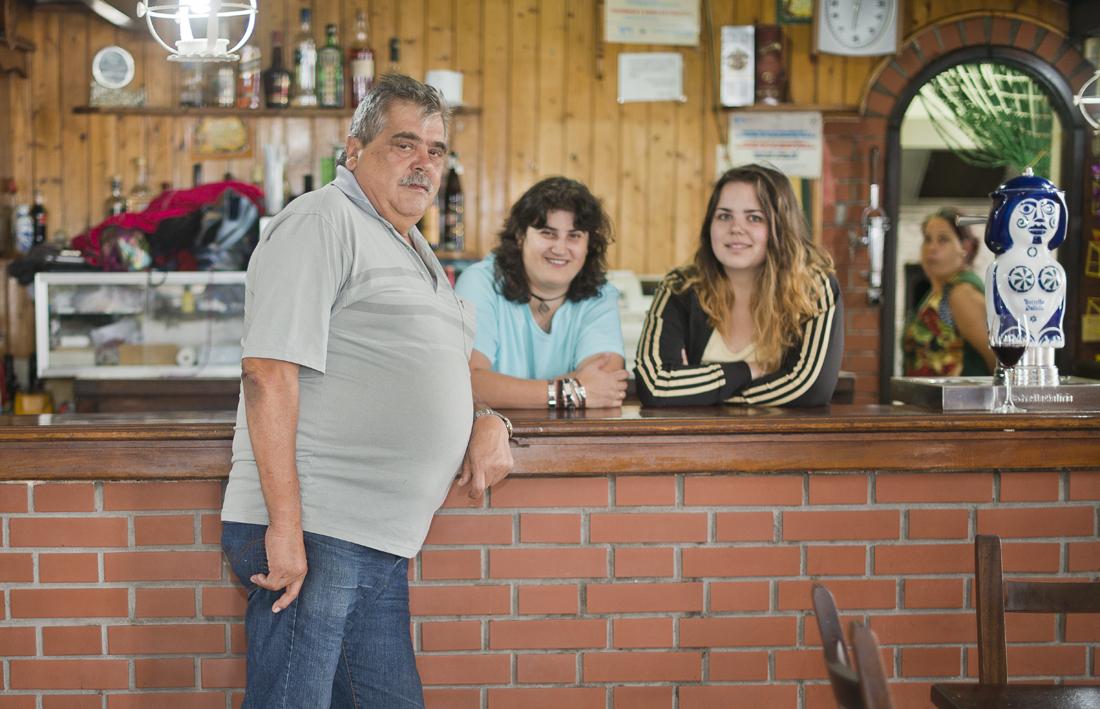 Suso, ya jubilado, ha dejado el negocio en manos de sus hijas Julia y Chefa y su nieta Mónica.