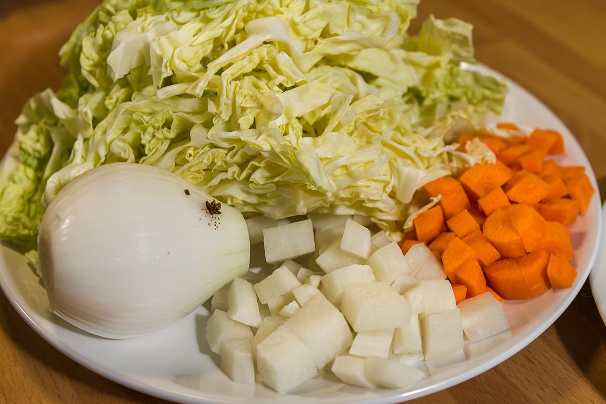 Ingredientes de la sopa de col de La Seu D'Urgell.