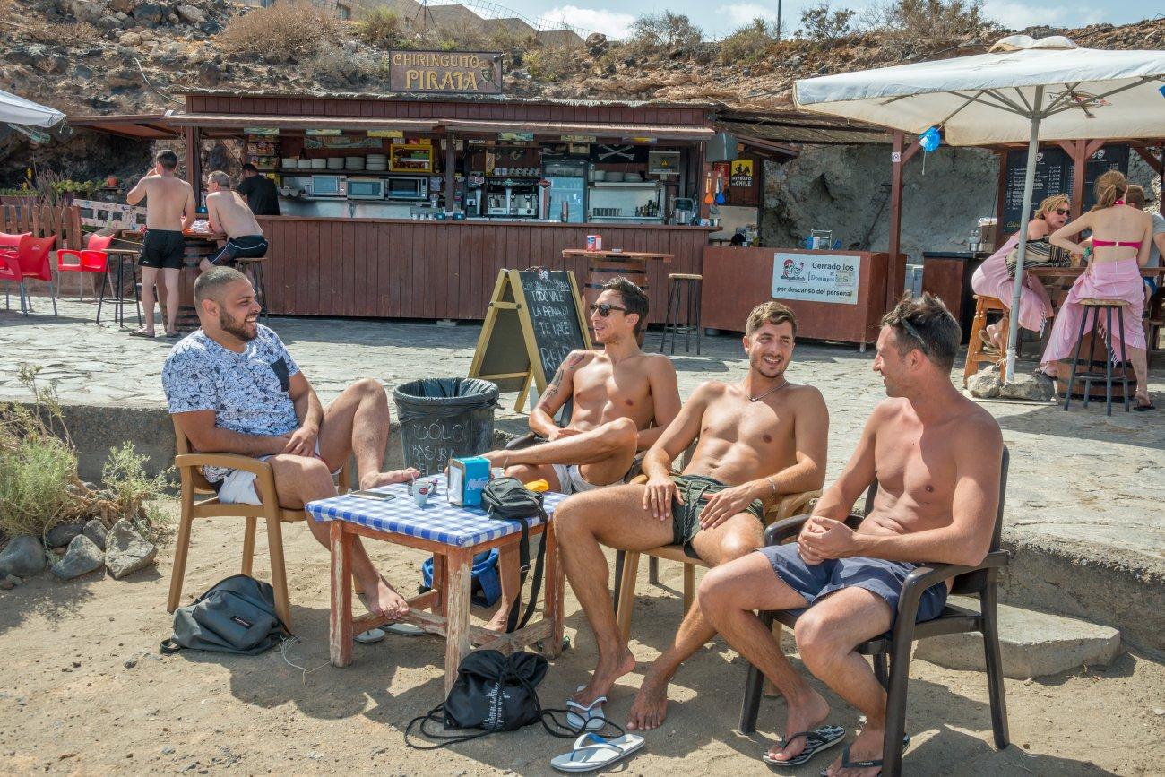 'El Pirata' (Playa de La Tejita): clientes (2)