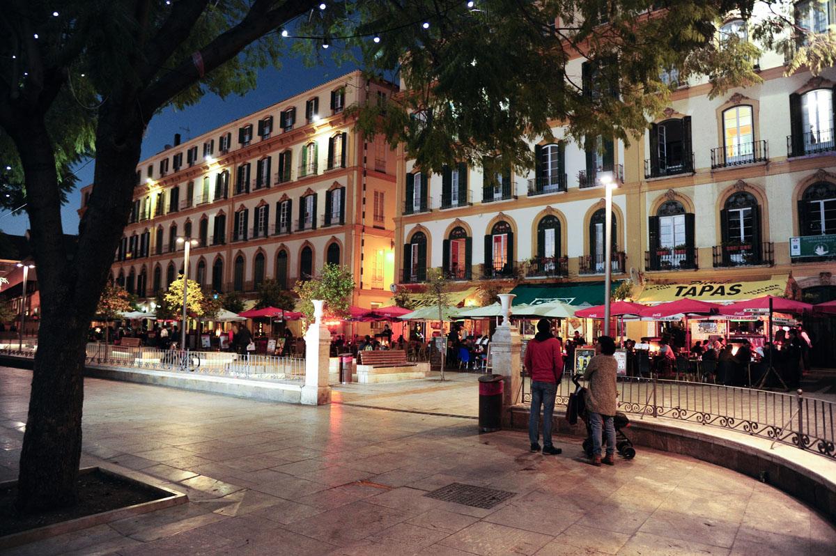 La Plaza de la Merced, a un paso de los apartamentos.