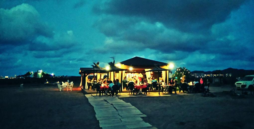 La tranquilidad se vive a pie de playa. Foto: cortesía Chiringutio Punta de Lomas.