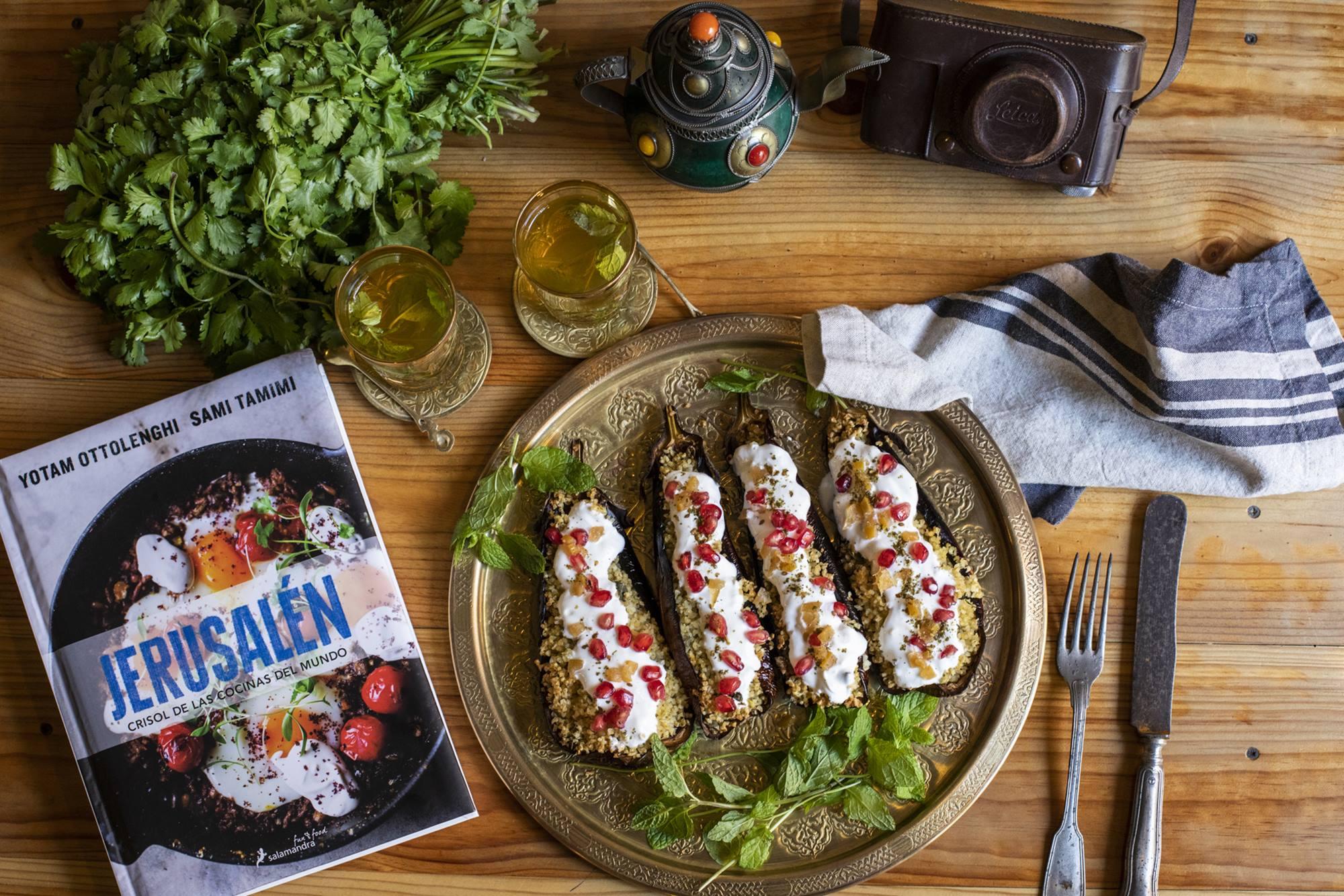 En 'Jerusalén. Crisol de las cocinas del mundo', de Yotam Ottolenghi aparecen platos como este.