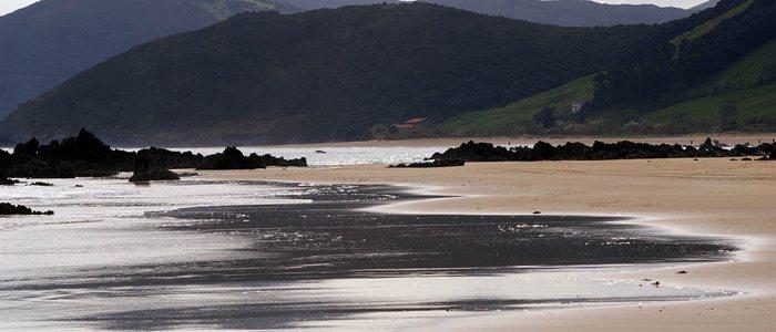 Playa Trengandín. / Cedida por: Turismo de Noja.