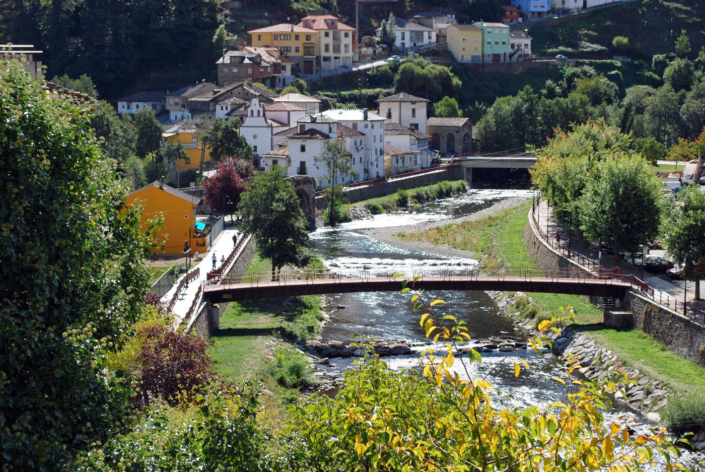 El maravilloso pueblo de Cangas de Narcea. Foto: Carmen Alonso Suarez, Flickr.