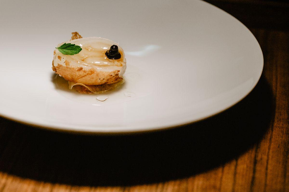 Una cebolla en la versión del restaurante 'Culler de Pau', en O Grove, Pontevedra.