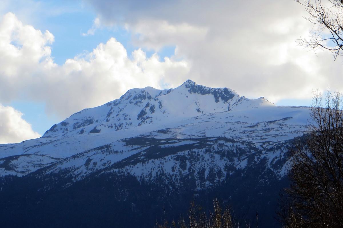 El pico de Peñalara preside el Valle del Lozoya. Foto: Ana Lidia Ramírez.