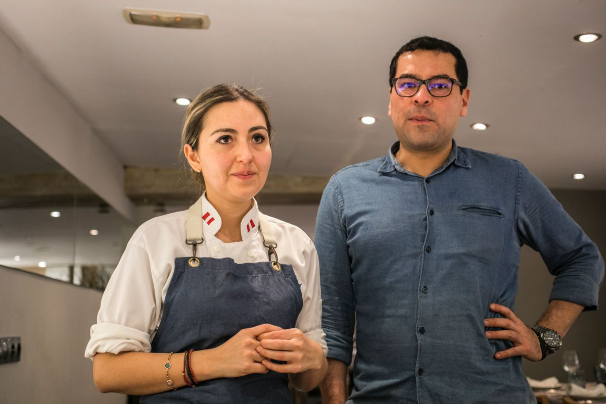 Vanessa Salazar y Jean Arroe, propietarios del restaurante peruano Commo Fusión, en Valencia, y cocineros.